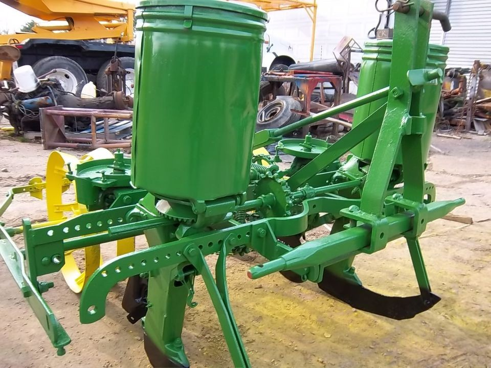 John Deere 246 Three Point Hitch Two Row Corn Planter Great For Food