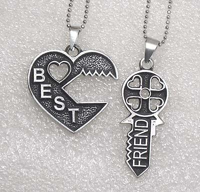 best friends necklaces in Necklaces & Pendants