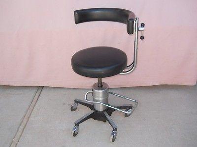 556 Hydraulic Surgeons Surgical Dental Stool Chair w/ Procedure Rest