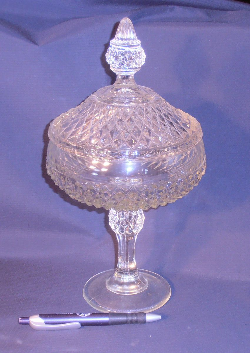 Vintage Indiana Glass DIAMOND POINT covered pedestal candy dish