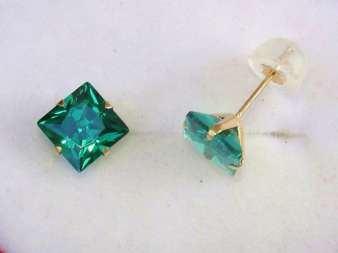 Cut Emerald Green Diamond 14kt Solid Yellow Gold Earrings