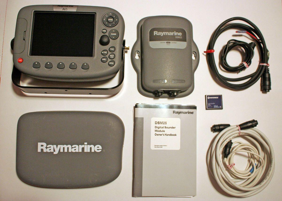 Raymarine A65 Chartplotter Display DSM25 Sounder Navionics CF/91SN