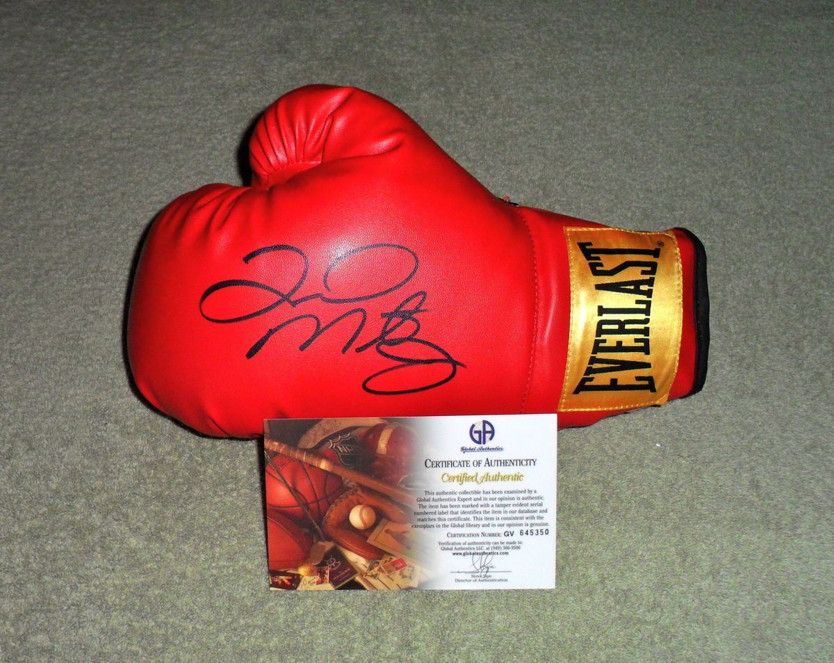 Floyd MAYWEATHER Jr Signed Boxing Glove GAI 645350
