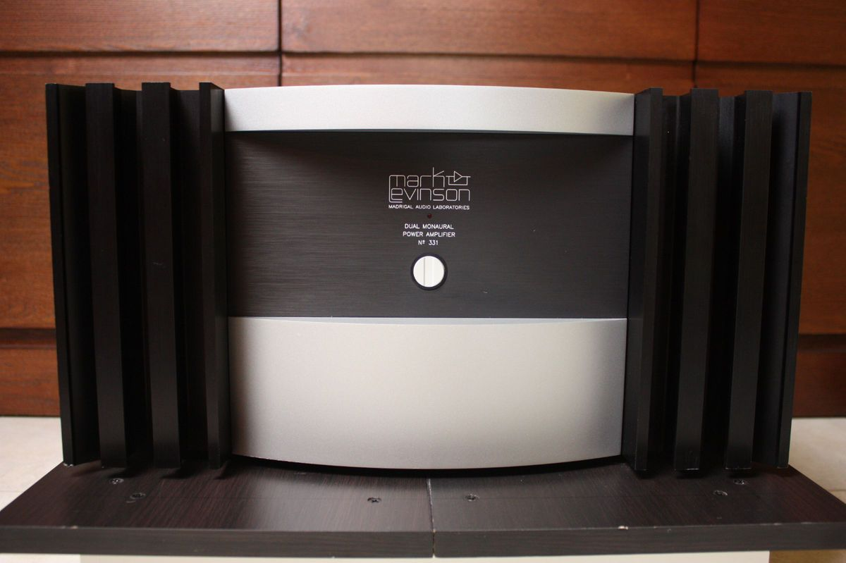 Mark Levinson No 331 Amplifier 1 Owner with Manual EXC Cond